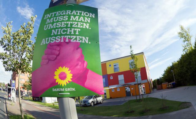 Plakat vor dem Heim für Geflüchtete am Kronsberg.