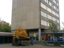 Das Bemeroder Rathaus muss saniert werden. Foto: Volland