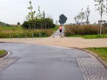 Keine Bordsteinkante mehr am Ende der Fahrradstraße am Kronsberg.